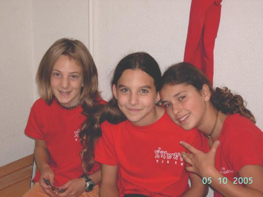 Janine, Melanie & Edina I.JPG